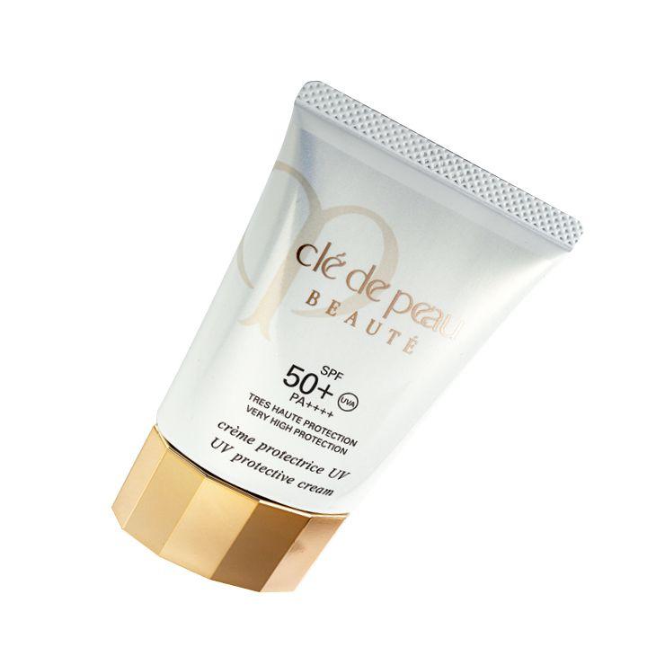 UV 프로텍티브 크림 SPF 50⁺/PA⁺⁺⁺⁺, 15만원대, Clé De Peau Beauté. 강력한 UVA, UVB 차단 필터가 광노화로부터 피부를 지켜준다. 강력한 보습 효과가 있는 스킨케어 성분을 그대로 담은 에센스 젤 타입으로 촉촉한 피부를 유지해 준다.