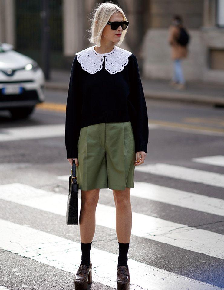 톨 아이웨어의 대표 린더 톨은 간결한 팬츠 룩을 즐겨 입는 편. 사랑스러운 칼라 장식을 더한 미우미우 톱과 매치해 소녀적 분위기를 완성했다.