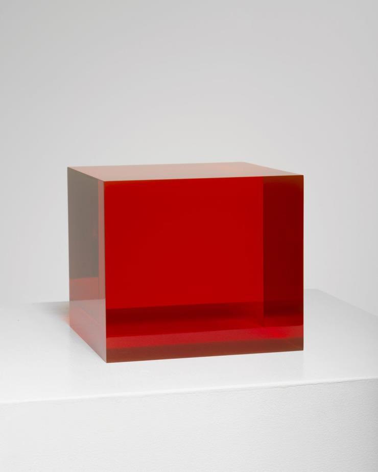 Peter Alexander, 7/13/19 Red Orange Box, 2019, urethane, 18.4 x 20.8 x 20.8 cm ⓒ Peter Alexander