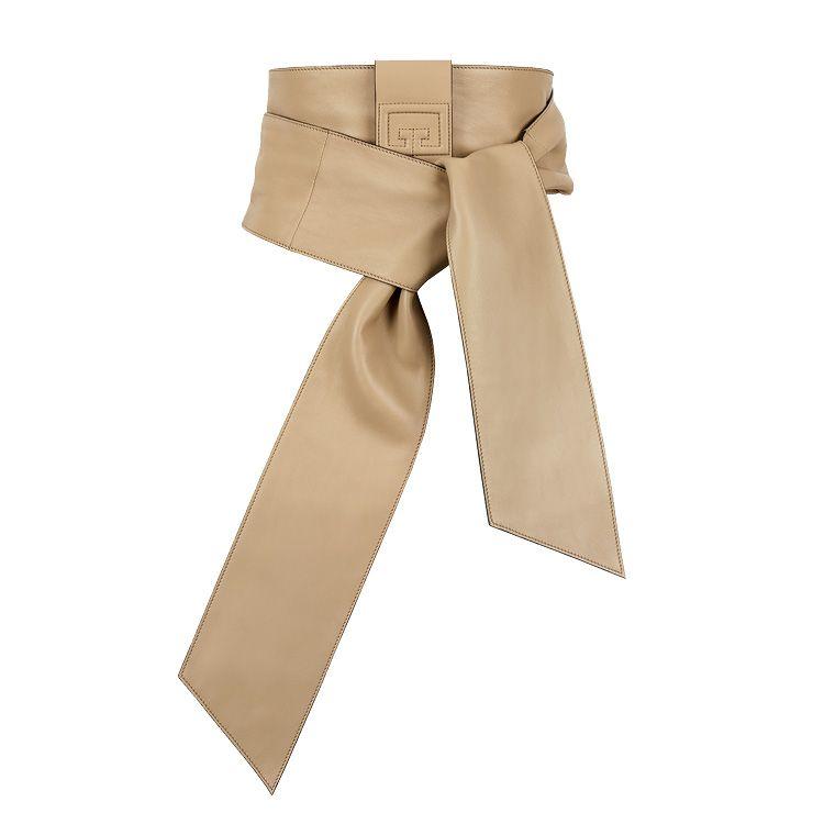 매듭 디테일의 와이드 벨트는 가격 미정, Givenchy.