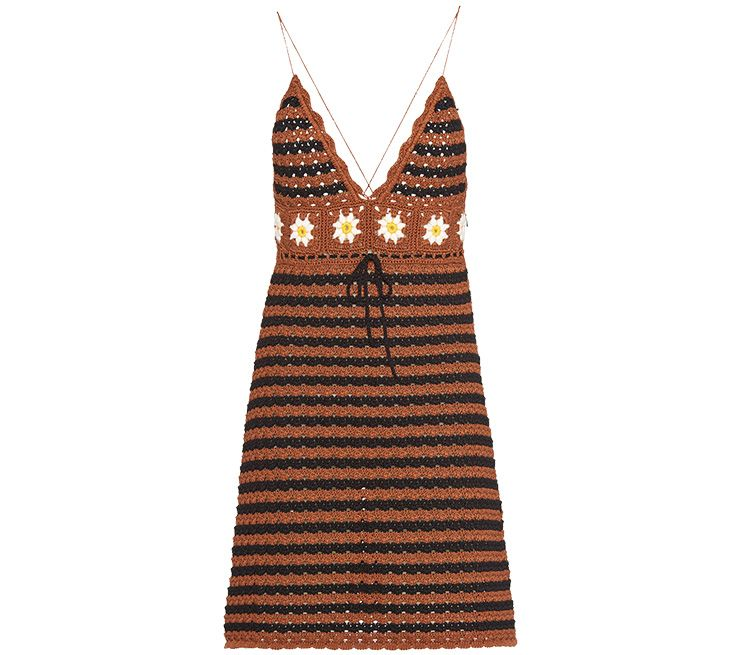 크로셰 슬립 드레스는 Miu Miu.