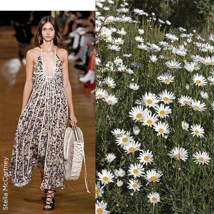 들판에 피어 있는 데이지 꽃이 드레스에 고스란히 담겼다.