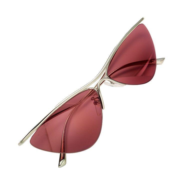 핑크 컬러 틴티드 선글라스는 가격 미정, Balenciaga.