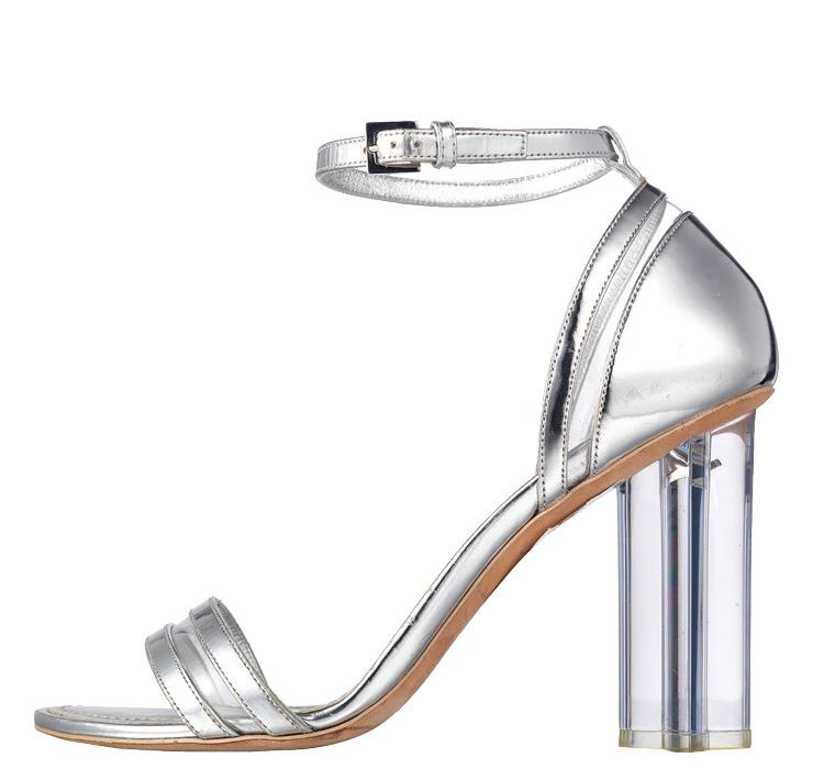 실루엣 샌들, 1백40만원, Louis Vuitton.