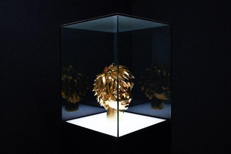 옥승철 'Golden Spike', Gilded Wood, H.30cm, 2020 Photo by 김석준