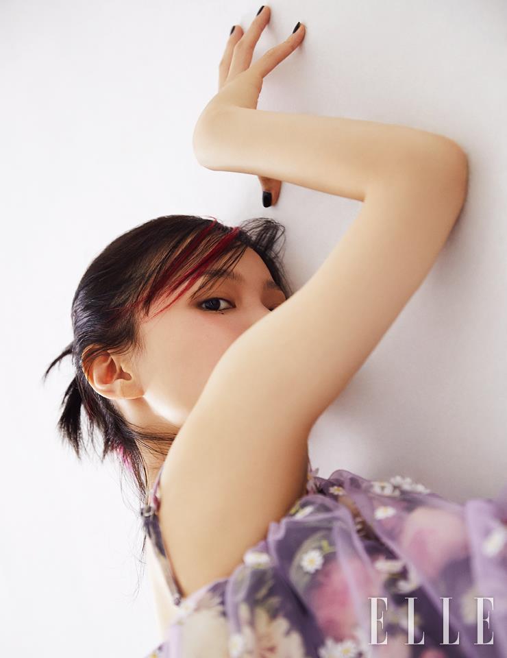 플로럴 레이스 드레스는 4 Moncler Simone Rocha.
