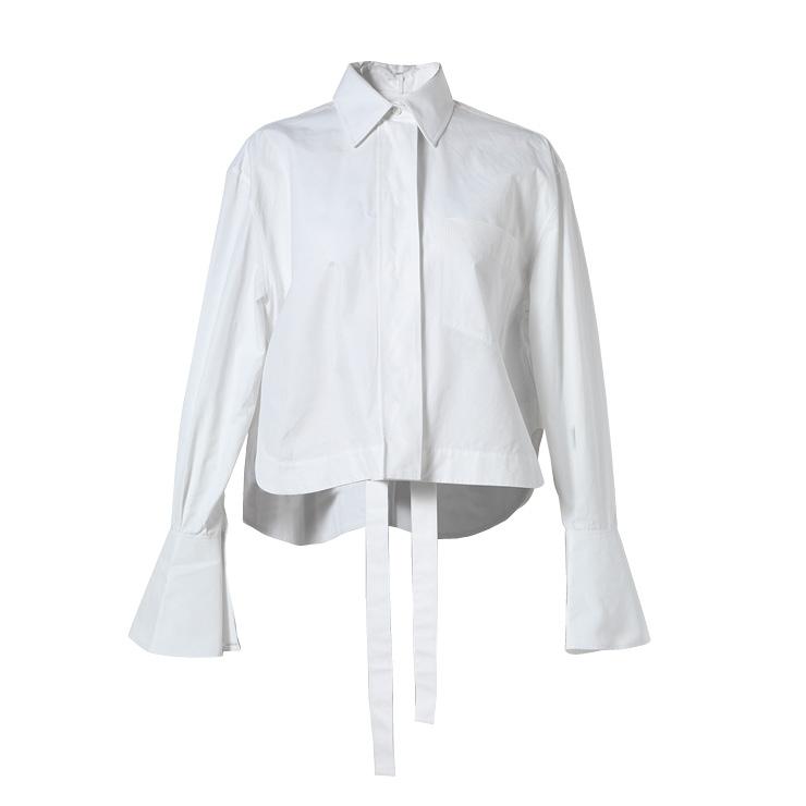 베이식한 화이트 셔츠는 가격 미정, Valentino.
