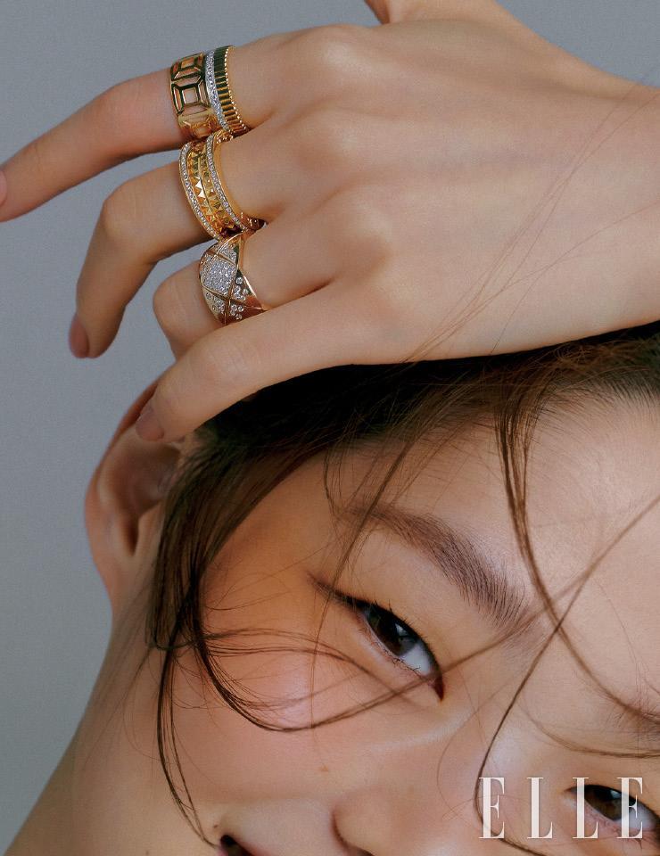 (위부터) 기하학적 무늬를 표현한 '콰트로 레디언트 에디션 다이아몬드 오픈워크' 링은 7백만원대, Boucheron. 다이아몬드를 세팅한 '비제로원 락' 밴드는 8백만원대, Bvlgari. 퀼팅 모티프를 각인하고 다이아몬드로 장식한 '코코 크러쉬' 링은 가격 미정, Chanel Fine Jewelry.