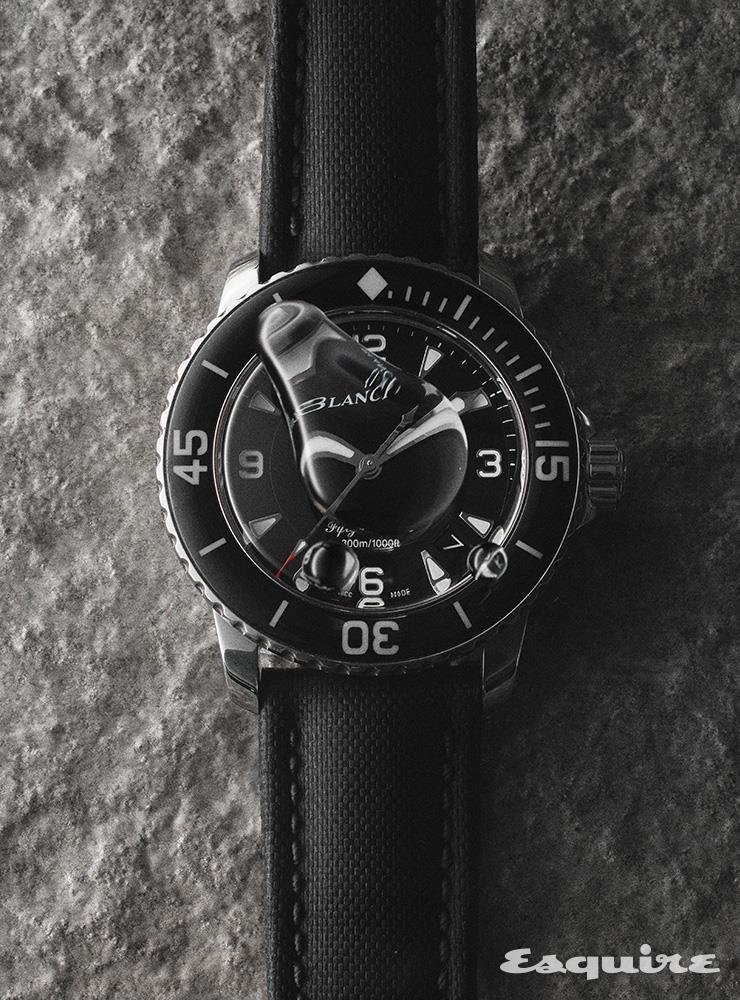 45mm 스틸 케이스의 오토매틱 무브먼트 시계 1700만원대 블랑팡.