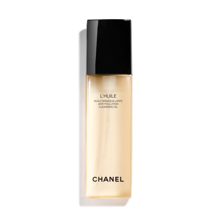 부드러운 오일이 워터프루프 메이크업까지도 효과적으로 제거하는 르 윌, 6만3천원, Chanel.