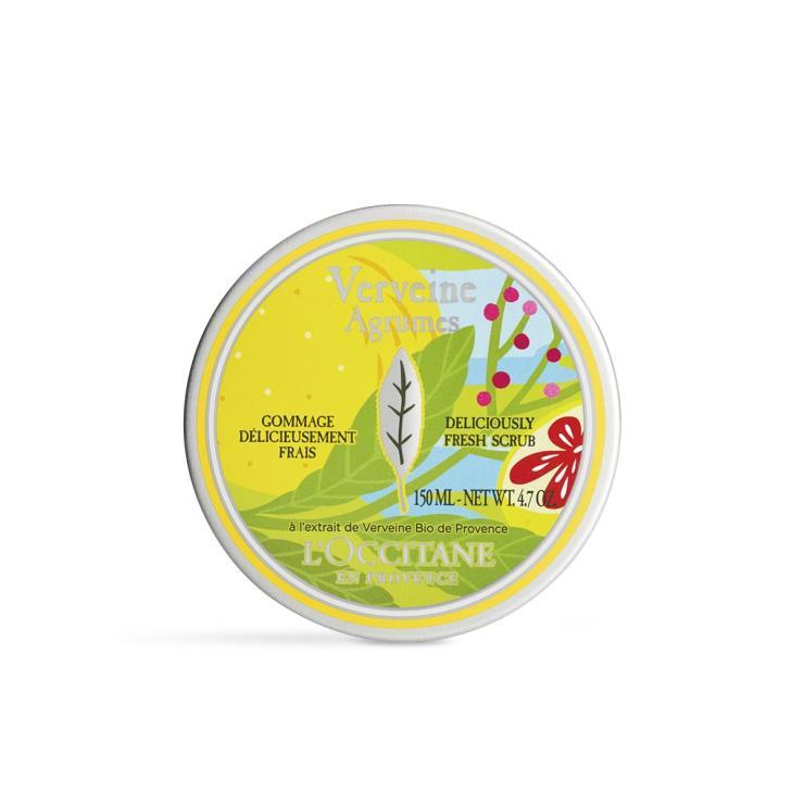 작고 가늘게 갈린 월넛 쉘과 멘톨 알갱이가 피부 표면의 각질을 부드럽게 정리하는 보디 스크럽인 2020 시트러스 버베나 딜리셔슬리 프레쉬 스크럽, 3만9천원, L'Occitane.