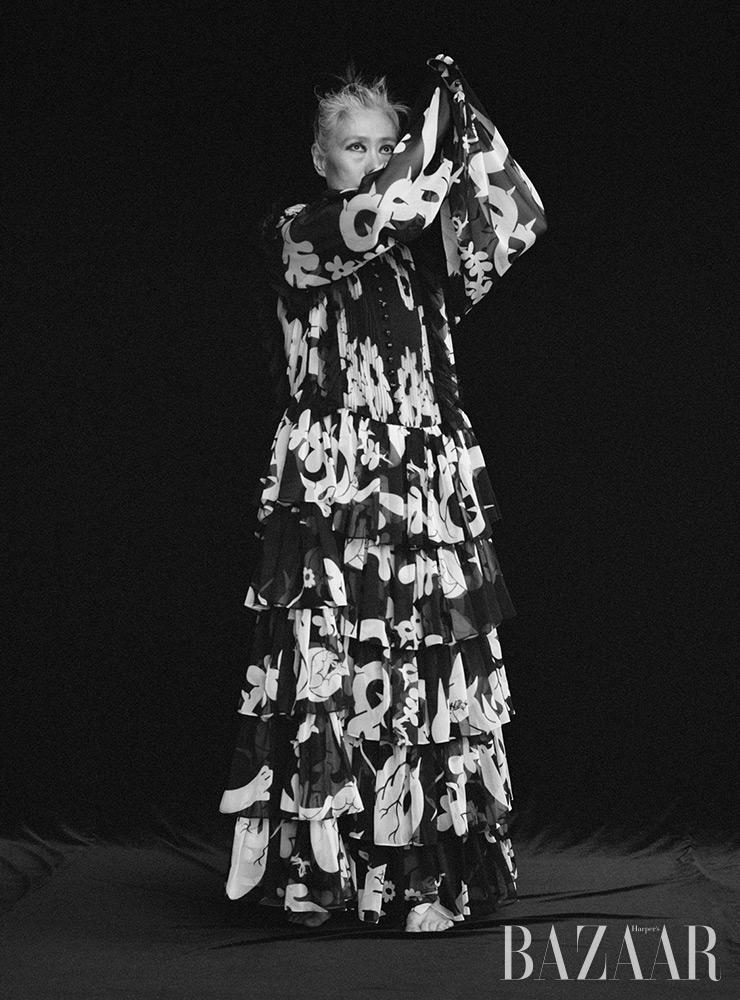 드레스는 Minjukim.