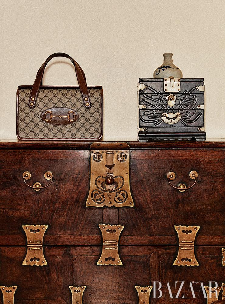 사각 보스턴 백은 1백92만원 Gucci.