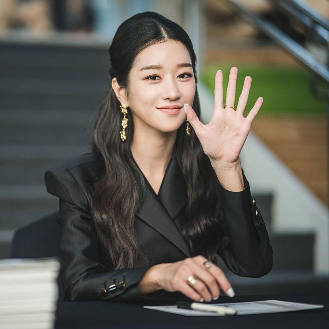 @seoyejiofficial