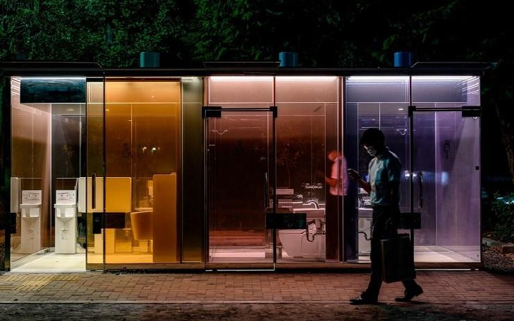 반 시게루가 설계한 투명한 화장실
