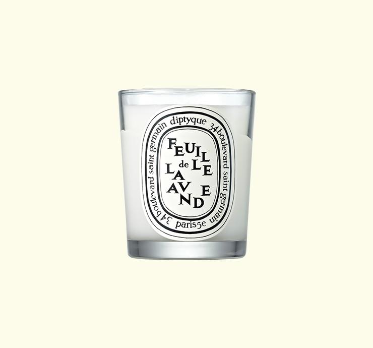 Diptyque 훼이으 드 라반드 캔들 진정, 긴장 이완 효과가 있는 라벤더 향초. 190g 8만2천원.