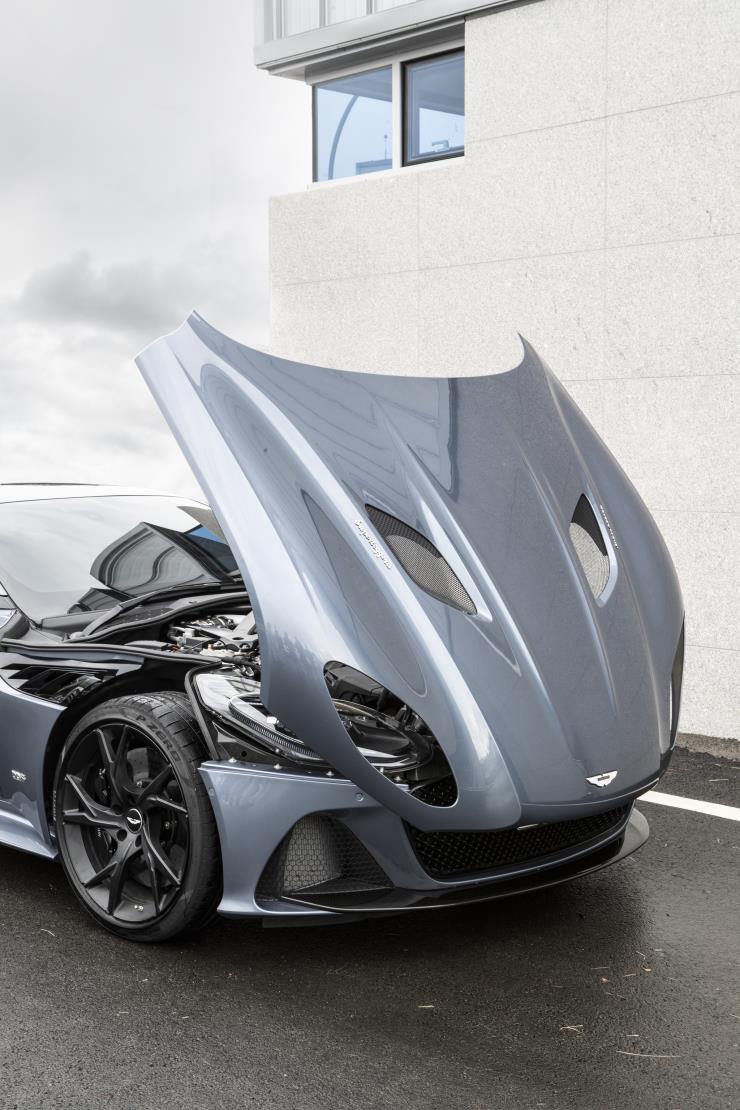 Aston MartinㅣDBS Superleggera
