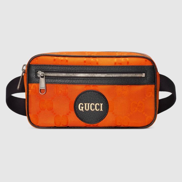 재활용 소재를 사용한 오프 더 그리드 벨트 백은 1백19만원, Gucci.