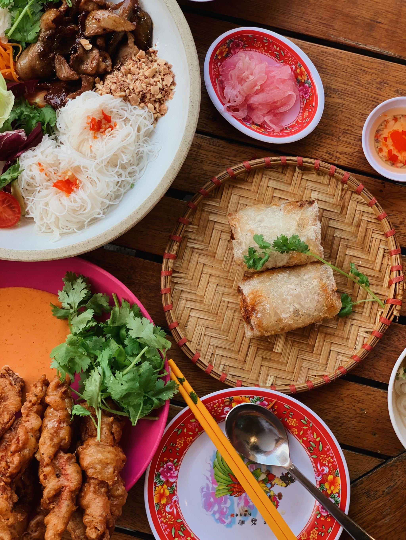 국내산 재료로 만드는 효뜨의 베트남 요리.