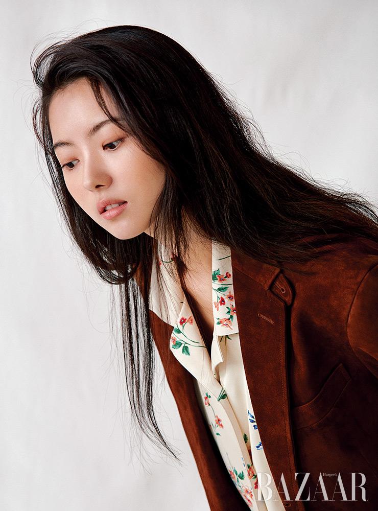 셔츠는 Greyyang. 재킷은 Polo Ralph Lauren.