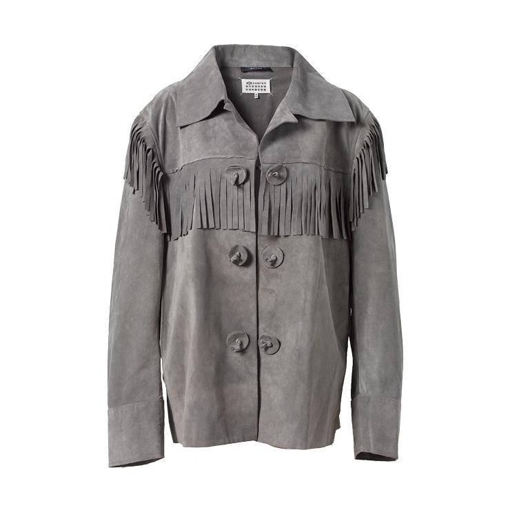 스웨이드 소재의 그레이 재킷은 가격 미정, Maison Margiela.