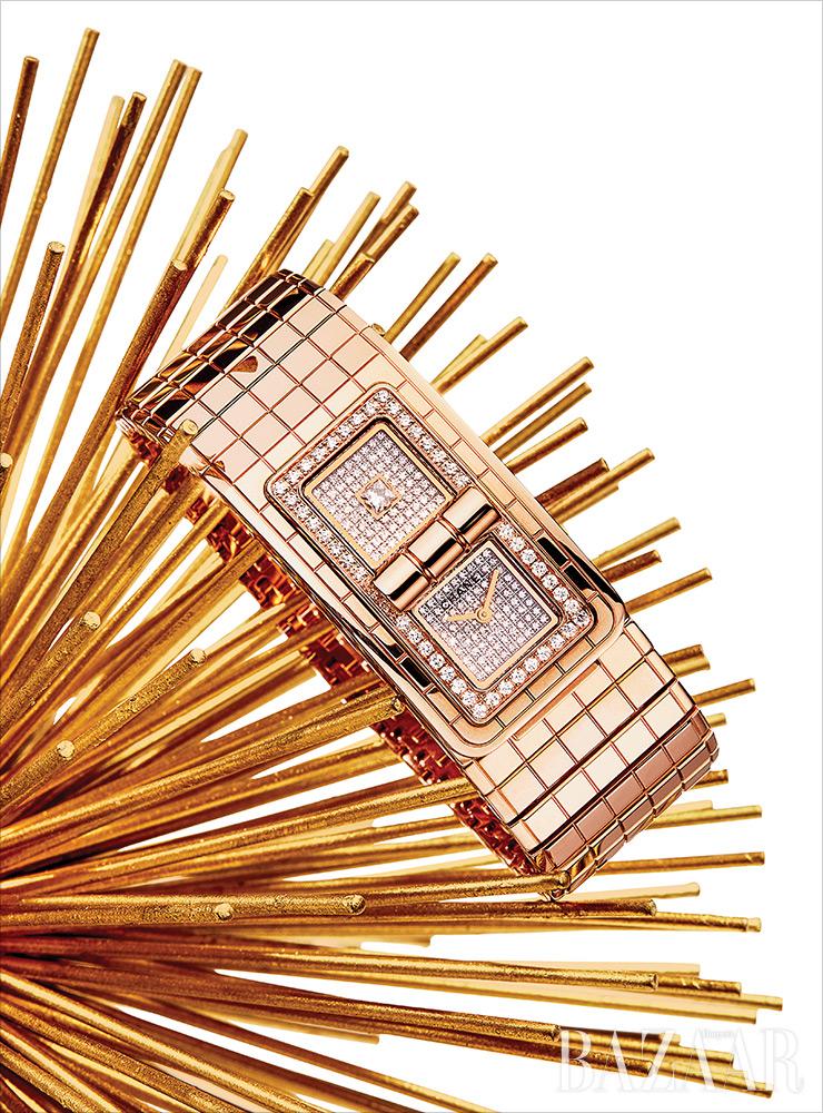 '코드 코코' 시계는 Chanel Watch.