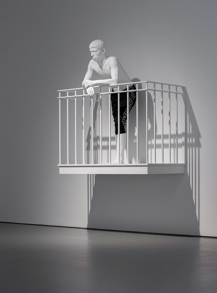 〈The Observer (Kappa)〉, 2019, Epoxy, lacquer, aluminium, steel, fabric, 163x144x90cm, Courtesy of Kyung-Tak Kim, Seoul. ≪오! 마이시티≫ 전시 전경, 파라다이스 아트스페이스, 인천. 사진: 박명래