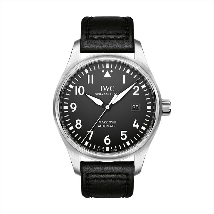 영국 국방부가 1948년 공군에 지급한 마크 11 파일럿 시계의 후손이다. IWC 마크 18.