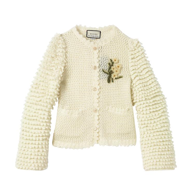 벌키한 니트 카디건은 5백80만원, Gucci.