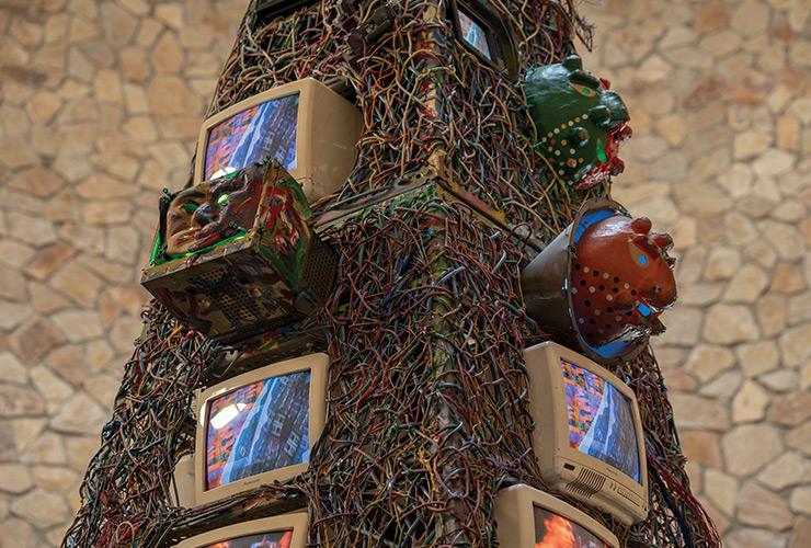 백남준, 〈Communication Tower〉, 1994, Mixed Media, 193.0x193.0x520.0cm.
