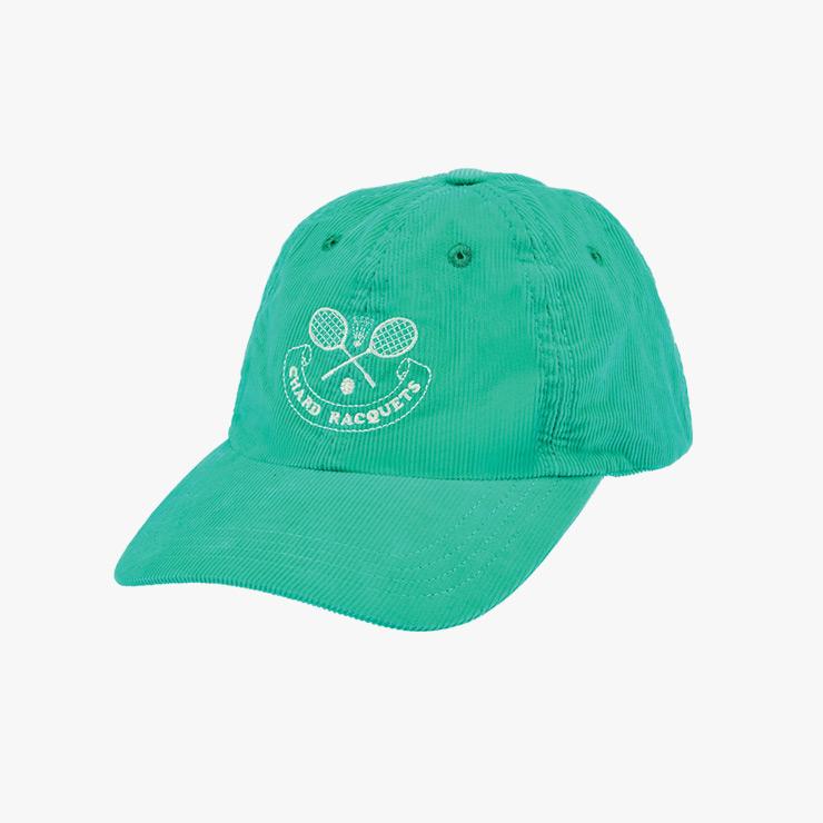 모자는 Drake's.