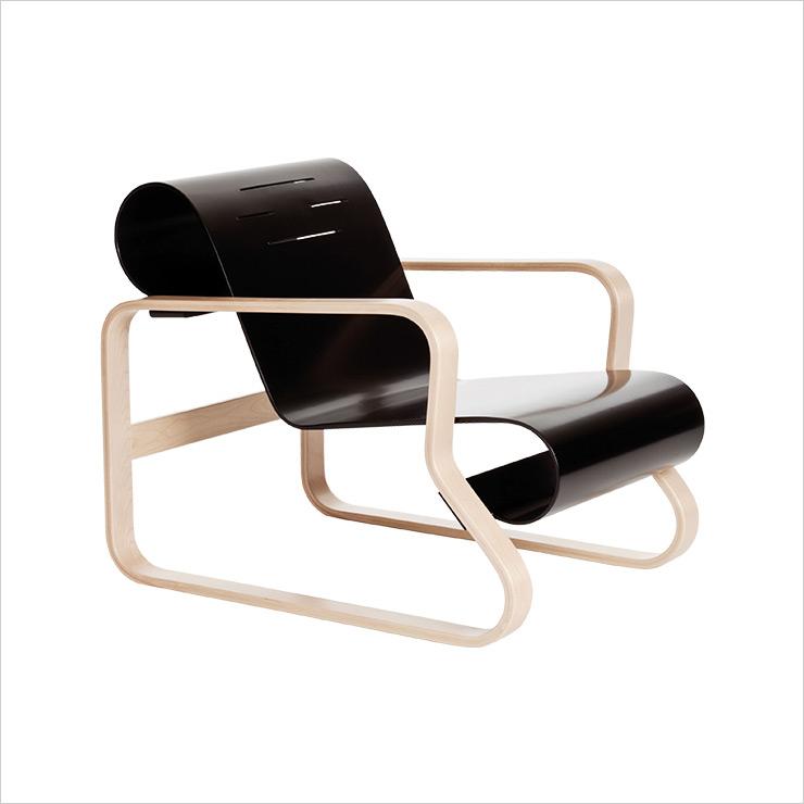 '파이미오 라운지 체어'는 Alvar Aalto.